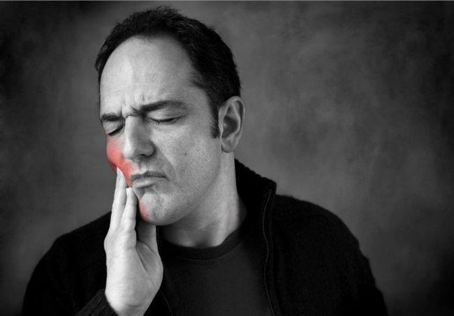 Чим зняти гострий зубний біль