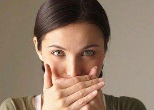 Чорний наліт на мові: основні причини і способи лікування