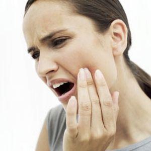 Що робити, якщо ниє зуб - як полегшити і зняти біль