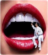 Художня реставрація передніх зубів. Вініри або пломбування?
