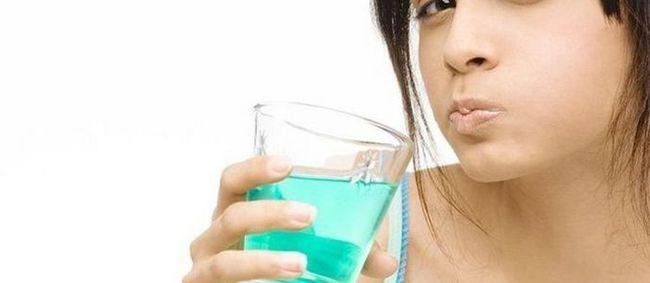 Препарати для полоскання рота після видалення зуба