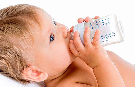 Причини появи пляшкового карієсу у дітей та його лікування