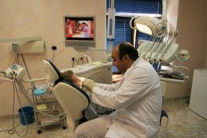 Професія стоматолога і небезпечна і важка
