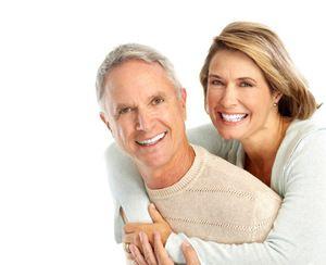 Протезування зубів: основні види протезів