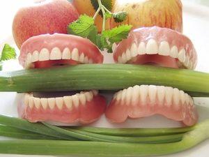 Вибираємо найкращі конструкції зубних протезів за відгуками