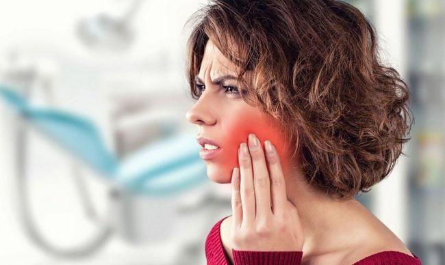 Зуб болить від гарячого і холодного