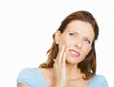 Зуб мудрості болить, що робити і чи варто терпіти біль?
